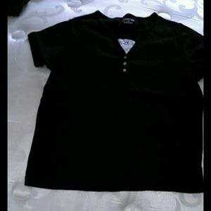 Short sleeve with peek a boo lace