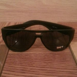 quay Accessories - VINTAGE INSPIRED SUNNIES