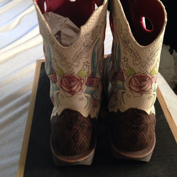 31% off Ariat Boots - REDUCED NIB Ariat size 7 Rodeobaby Rocker ...