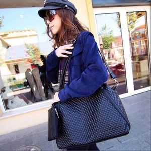✨Gorgeous Quilted Faux Leather Tote Messenger Bag