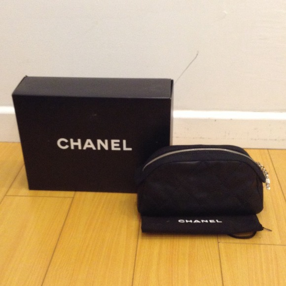 2be1f6434ac4 CHANEL Bags   Biarritz Quilted Cosmetic Bag Flash Sale   Poshmark