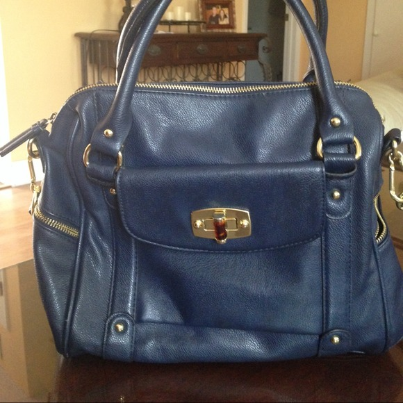 Merona Bags   Reduced Navy Blue Target Handbag   Poshmark d80e33cc55