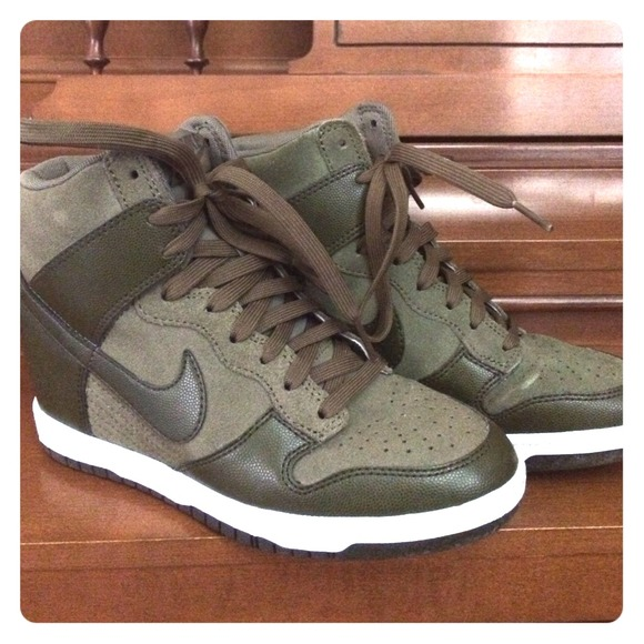 finest selection 3420e 15978 Nike Shoes - Nike Sky hi dunk in olive army green