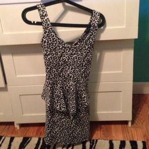 Dresses & Skirts - Black and white cheetah print dress