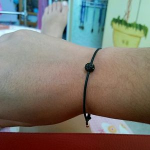 Jewelry - Plain black bracelet with 1 sparkly black ball