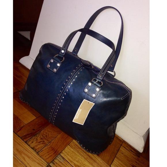733dab4836e Michael Kors Bags   Astor Xl Oversized Weekender Bag   Poshmark