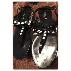 Shoes - Black & White Bow Jellies NWOT