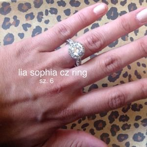 lia sophia Jewelry - 💯 authentic Lia Sophia Indulge Sterling CZ ring.