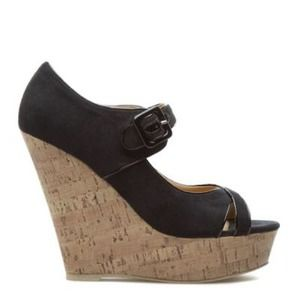 Black shoedazzle's wedges