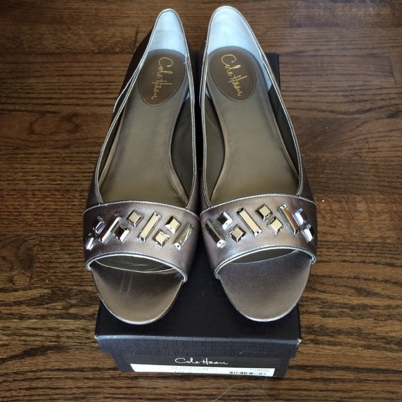 8436166a9129 Cole Haan Shoes - Cole Haan Air Maia Vintage Silver Size 10.5
