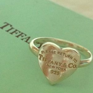 """Tiffany & Co. Ring """"please return to"""" size 7"""