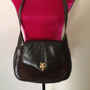 HP {Vintage Gucci Purse}