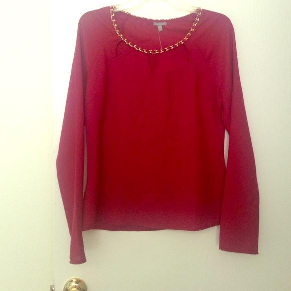 Charlotte Russe Tops - Flirty top in burgundy