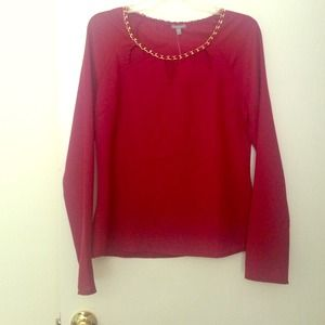 Charlotte Russe Tops - Flirty top in burgundy