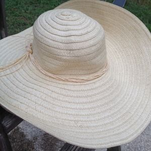 Target Floppy hat