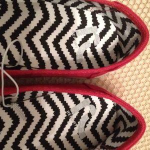 152e9bd86c3aaf Report Shoes - REPORT canvas red flats