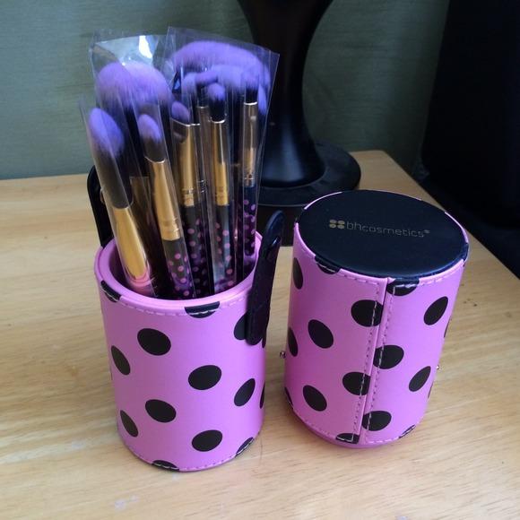 b37859f3d33c9 bh cosmetics Accessories - BH Cosmetics 11-Piece Pink-a-Dot Brush Set