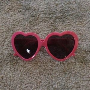 Host pick Heart sunglasses.