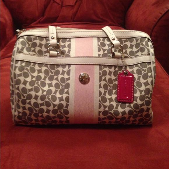 acd869eafcee Coach Handbags - Coach bag pink