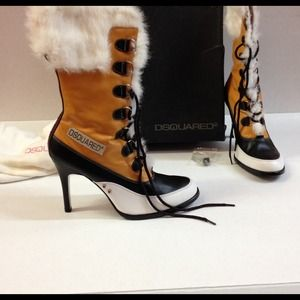 DSquared2 mountaineer Rabbit Fur Boots