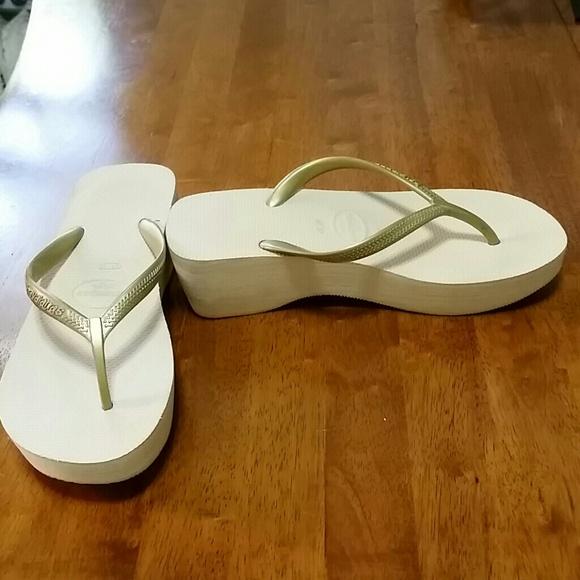 346f3d75a60 Havaianas Shoes - Metallic gold Havaianas High platform flip flops
