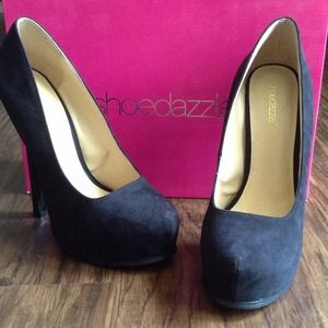 Shoedazzle Shoes - ✨NEW✨ Black pumps