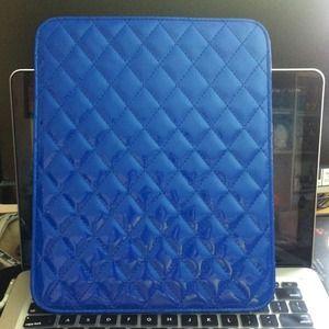 Blue quilted IPad case from cotton on