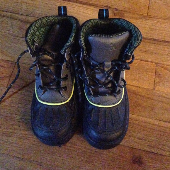 acg boots for kids