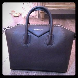 Givenchy Antigona bag (black)