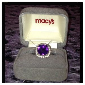 Jewelry - Amethyst and Diamond set in White Gold
