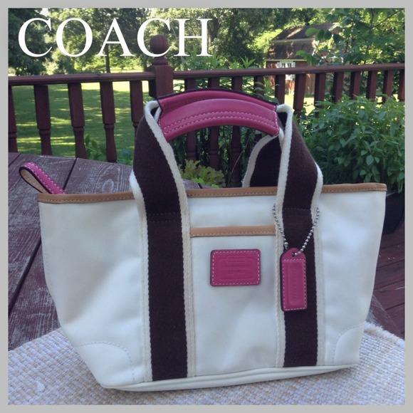 COACH Hampton white lunch bag weekender mini nylon