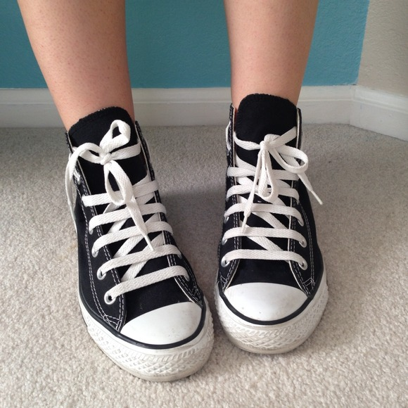 black and white high top converse womens