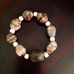 Jewelry - Wood stretch bracelet with gemstones