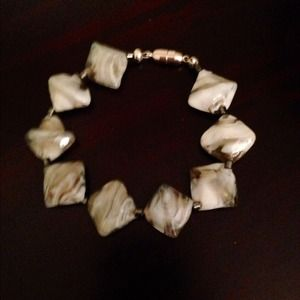 Jewelry - Oyster shell  magnetic bracelet