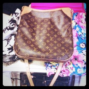 Louis Vuitton MM Odeon like new authentic
