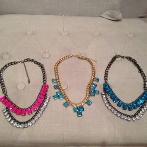 3 H&M STATEMENT NECKLACE BUNDLE