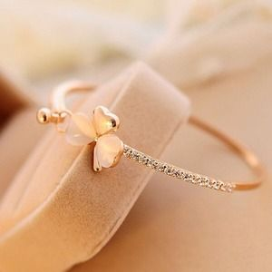 Jewelry - Elegant Woman Bangle Clover Jewel Bracelet