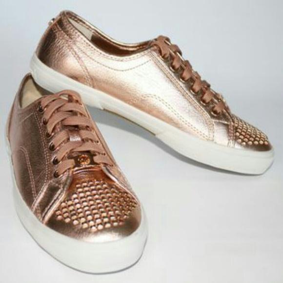 36 off michael kors shoes host pick sold michael. Black Bedroom Furniture Sets. Home Design Ideas
