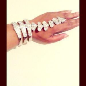 Jewelry - Bracelet ring (bling) SOLD IN BUNDLE