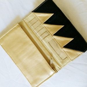Vintage Clutches & Wallets - Black and Gold Wallet