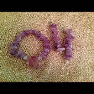 Jewelry - Drizzy  stretch bracelet w/ Crystals set