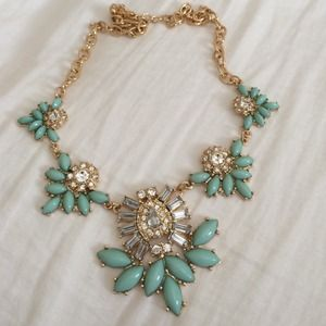 Jewelry - Beads and rhinestone necklace