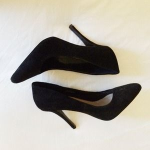 Steve Madden Shoes - Steve Madden Black Pumps
