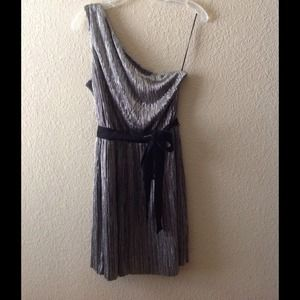 💥FINAL PRICE💥Silver, pleated, metallic dress