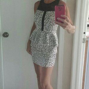 Host Pick!! GORGEOUS dress