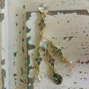 Jewelmint Jewelry - ☆HP☆ NWOT Jewelmint Smoky Crystal & Pearl Earrings