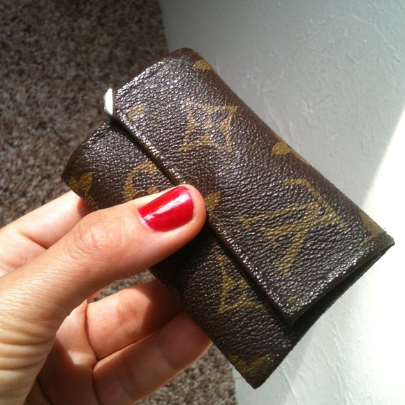 louis vuitton keychain wallet. louis vuitton accessories - keychain wallet coin purse brown m