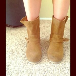 Ecote size 7 booties