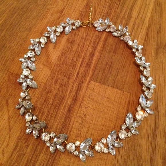 Jewelry - Halo Necklace