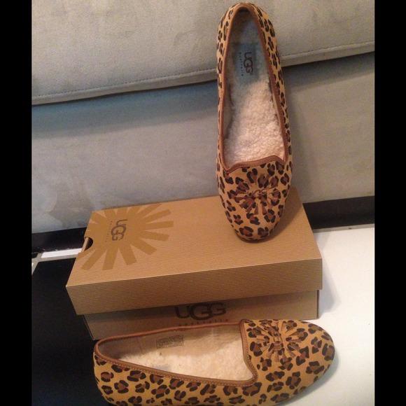 UGG Alloway Leopard Print Flats Shoes Size 7 NIB